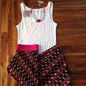 LLR Jill - Pleated Skirt w/ pink & gold arrows